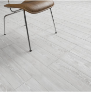 Clixeal Antique White Oak plank effect click vinyl flooring. 1.75 square metres (8 planks per box)